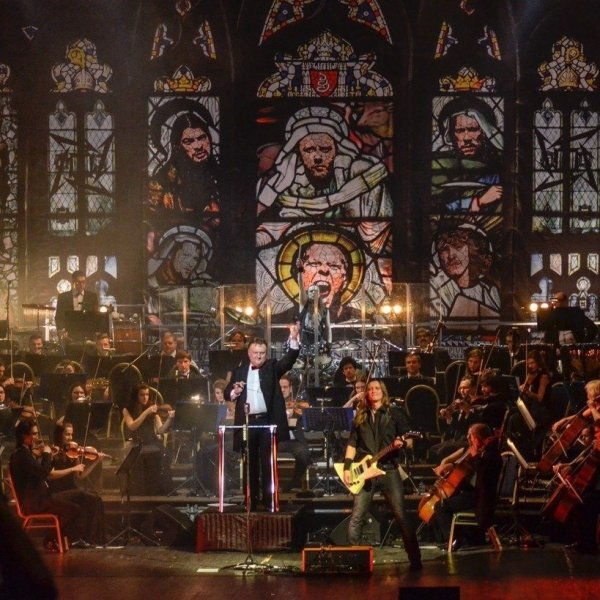 Metallica S&M Tribute with a Symphony Orchestra